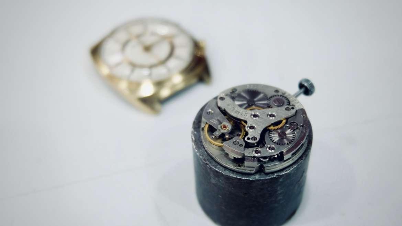 Que peut bien signifier «18 Jewels» sur certains cadrans vintage ?