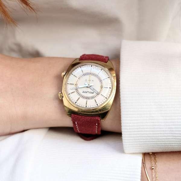 montre dorée soviétique